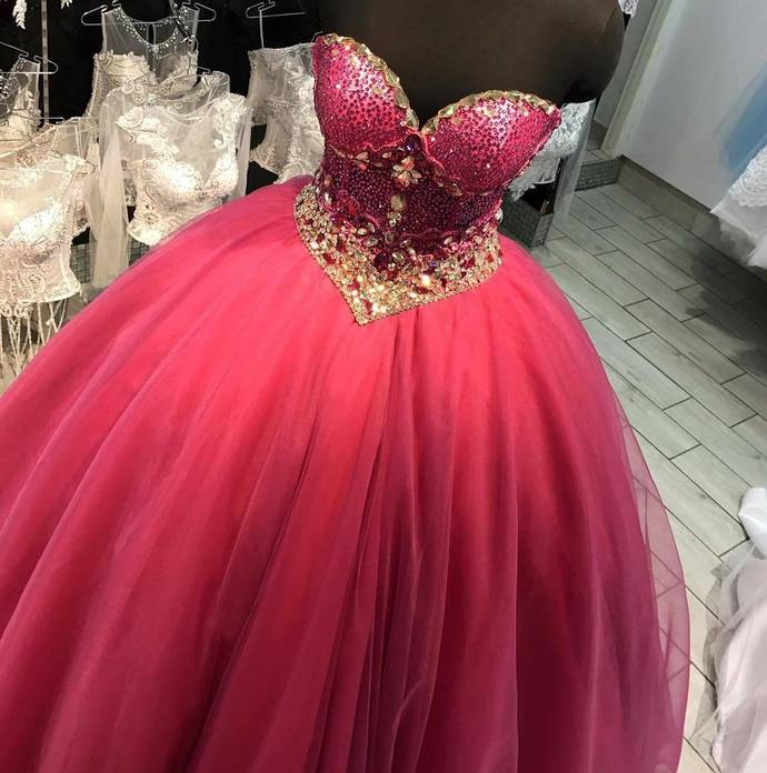 885aae5383b Stunning Ball Gown Arabian Prom Dresses 2018 Sweetheart Neckline Beaded  Puffy