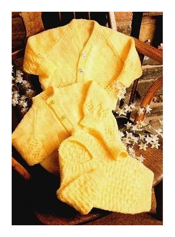Instant PDF Digital Download Vintage Knitting Pattern to make a Baby Long Sleeve