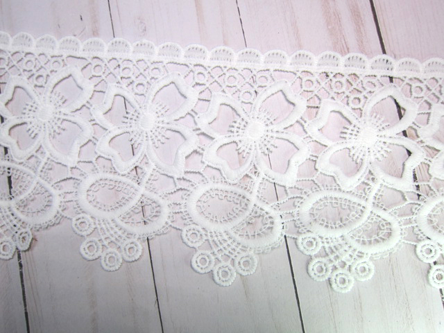 """1yd Embroidered Daisy Flower Venice Lace - 4.5"""" White"""