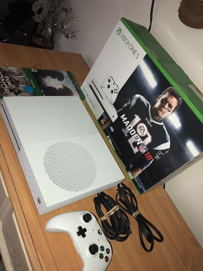 Microsoft Xbox One S 500GB White Console + Controller + 2 games Halo 5+ For