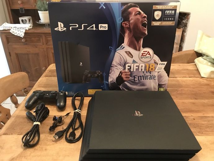 Sony PlayStation 4 Pro FIFA 18 1TB Black Console