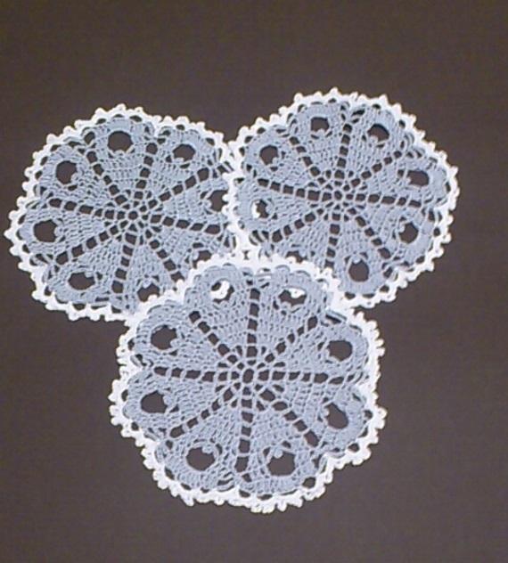 Set of 3 grey doilies, Crocheted doilies, mini doily Diameter = app.16 cm