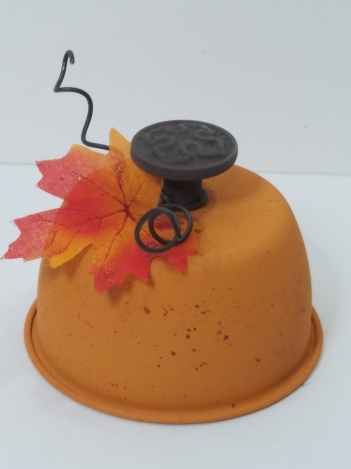 Repurposed Pumpkin Thrift Store Tin Makeover