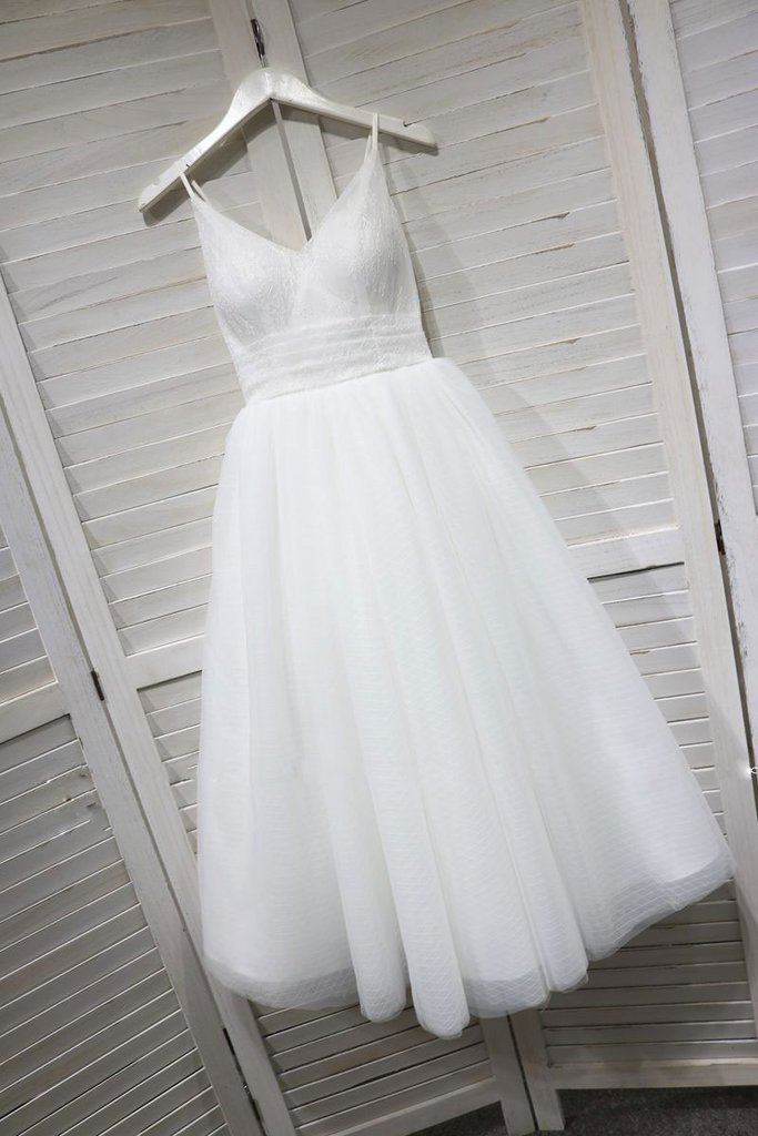 V-neckline Straps Tulle Bridal Gown, Gorgeous Ball Dress for Weddings