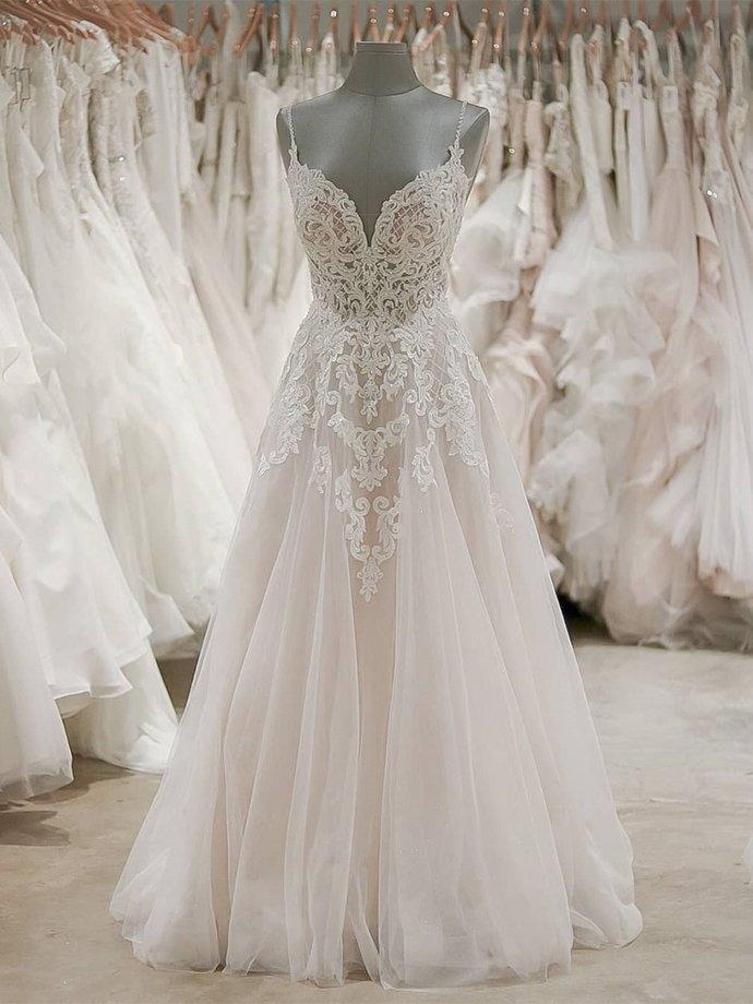 Spaghetti Strap V Neck Beach Wedding Dresses Backless Ivory Tulle Wedding Dress