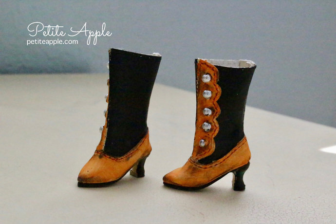 Halloween Victorian Boots for Blythe dolls and others (up to 3cm feet)