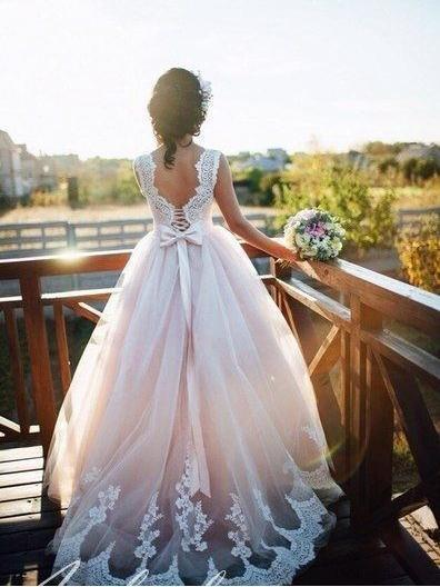 A-line Nude Tulle Bridal Dresses Ivory Lace Appliqued Ball Gown Wedding Dresses