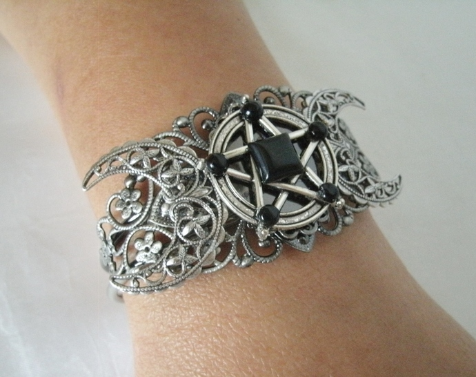 Obsidian Triple Moon Pentacle Bracelet wiccan pagan witch wicca witchcraft