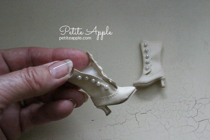 Victorian Boots for Blythe dolls and others (up to 3cm feet)- GREY