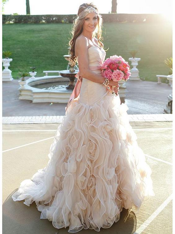 Strapless Champagne Ball Gown Wedding Dresses Vintage Bridal Gown With Sash