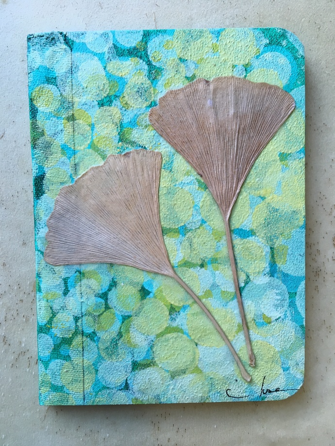 """""""Ginkgo"""" - the perfect writing journal to record your memories and your plans"""