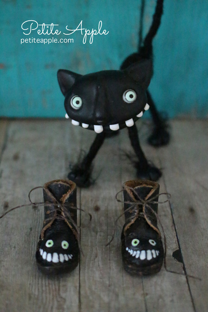 Black grin -OOAK painted Real Leather boots for Blythe dolls (all bodies)