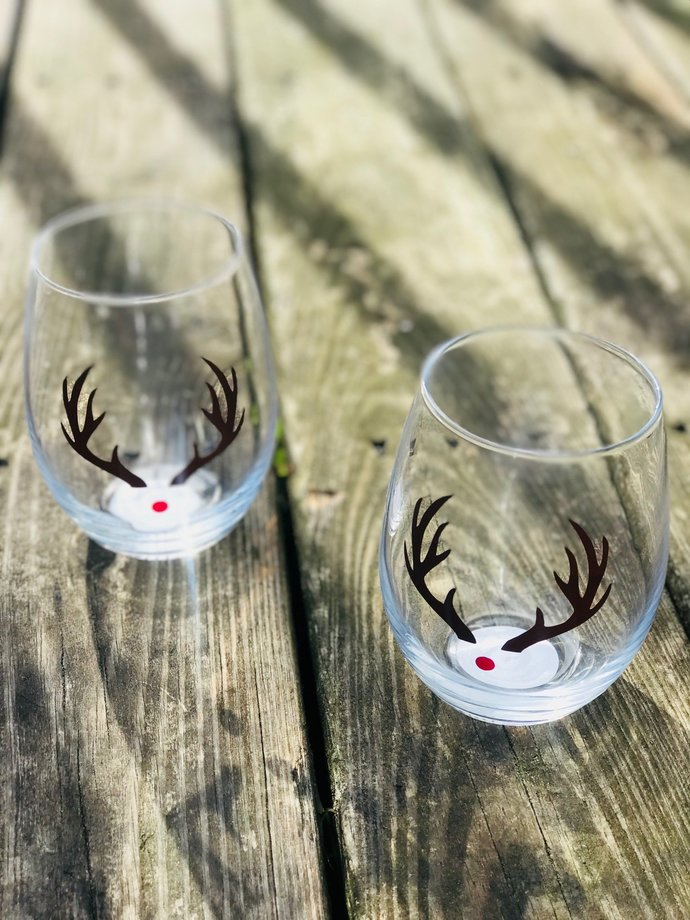 Set of 5 Reindeer Christmas / Holiday Stemless Wine Glass / Personalized