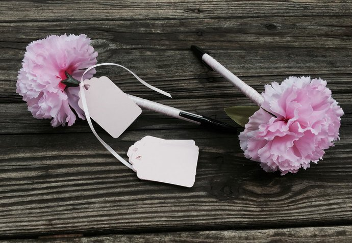 Pretty Pink Flower Pen / Favor /Wedding/ Showers / Special Event