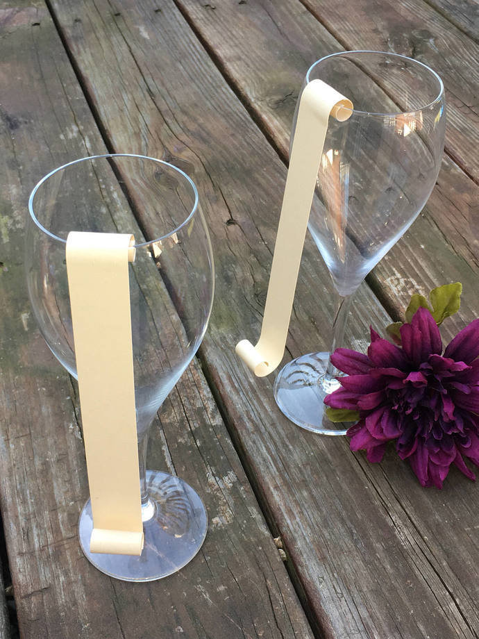 25 Blank / DYI Champagne Flute / Wine Glass  Seating Card Scroll