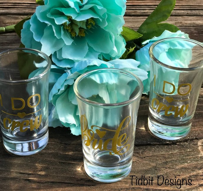 Set of 20 Personalized Bridal Party / Bachlorette Party Shot Glass / Party