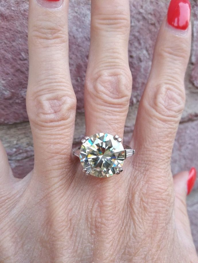 10.5 carat Moissanite ring size 7