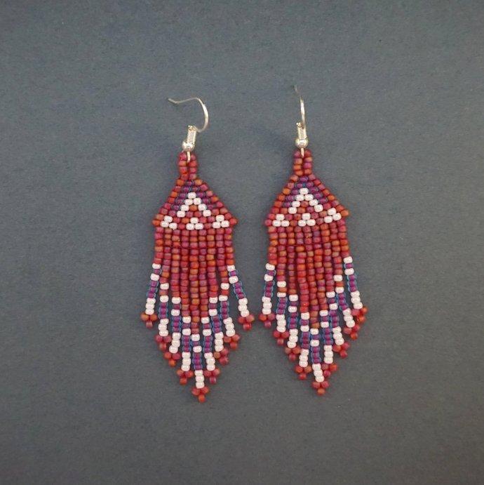 Native beaded earrings, Seed bead earrings, Native america indian jewelry style,