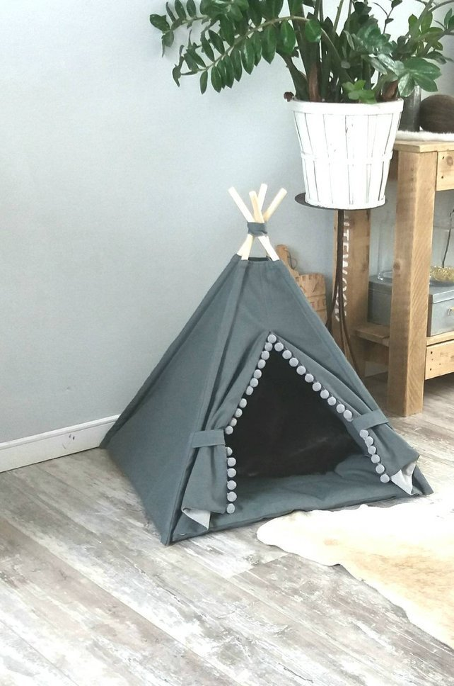 Pet teepee, grey cotton canvas, pompons trim, including fake fur or cotton