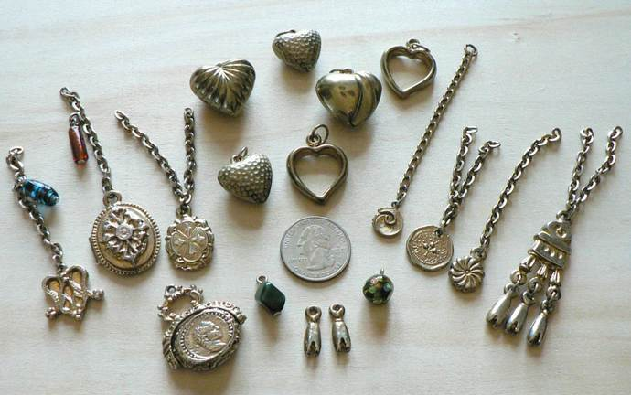 Vintage Metal Hearts Dangles Charms Components