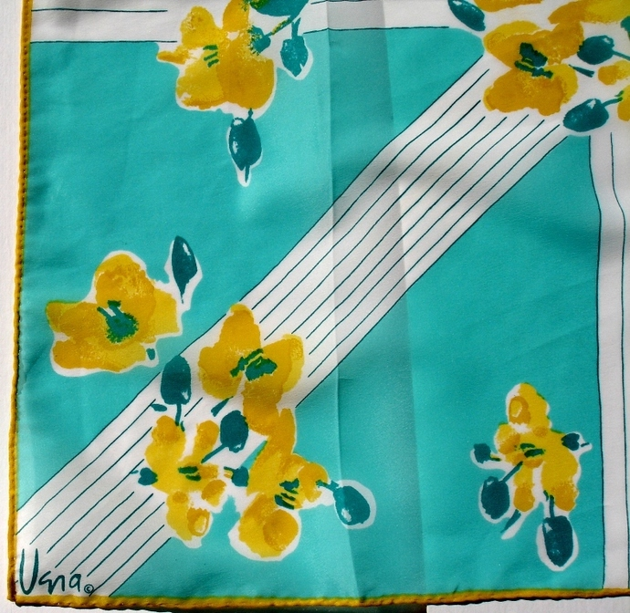 Vera Neumann Mint With Yellow Flowers On White Radiating Lattice Scarf