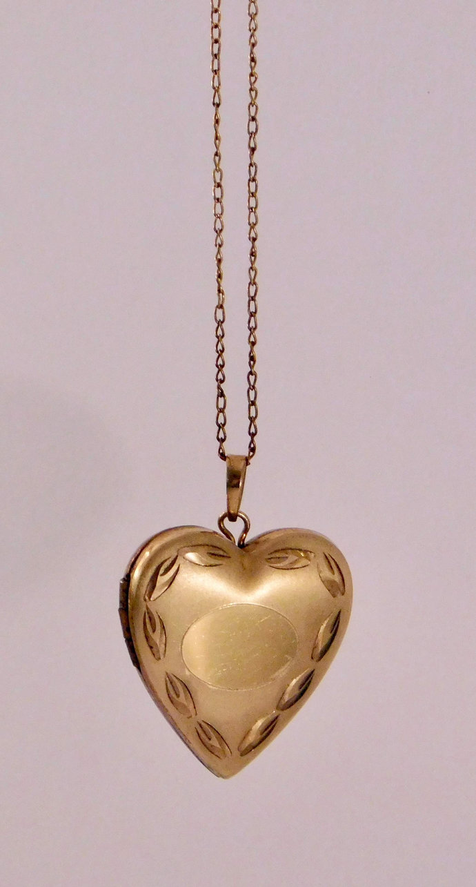 Vintage 14K Gold Filled Heart Locket Necklace