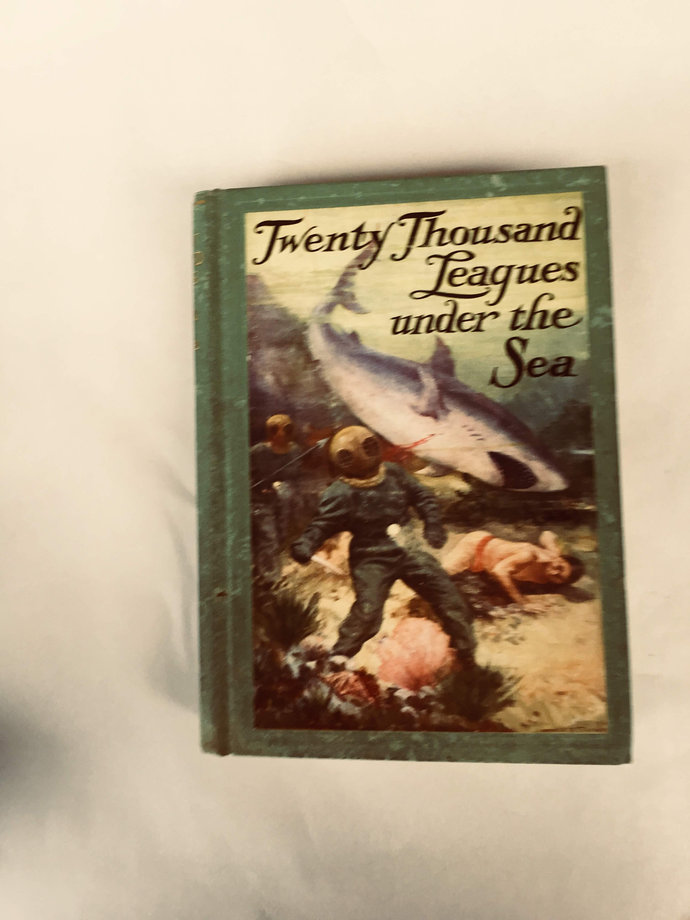 Twenty Thousand Leagues Under the Sea Jules Verne 1932