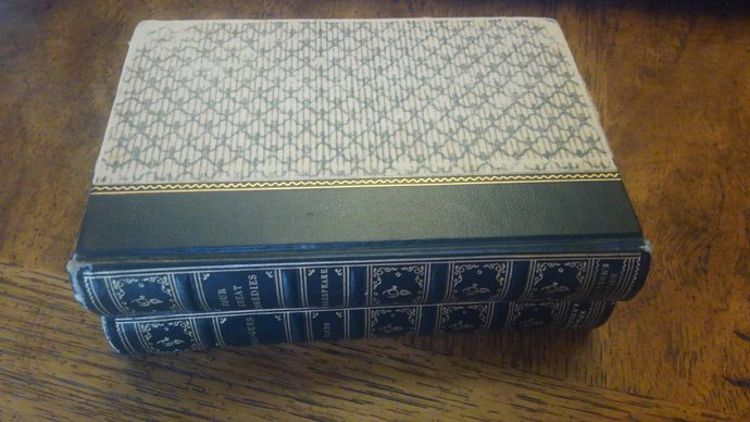 Vintage Collector's Edition: Four Great Comedies by Shakespeare and Dialouges by