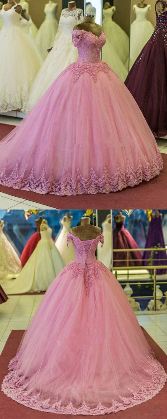 Pretty Lace Appliques V-neck Tulle Ball Gowns Quinceanera Dresses