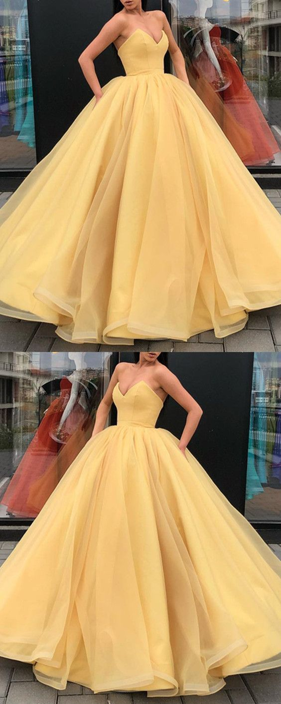Organza Ball Gowns Prom Dresses V-Neck Corset Quinceanera Dresses For Sweet