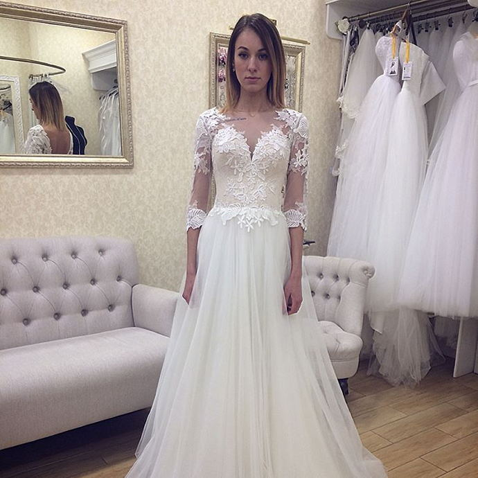 Vintage Beach Wedding Dress 2018 A line Scoop Neckline Lace Appliques