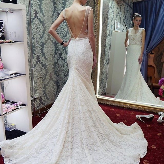 White Lace Appliques Backless Wedding Gowns Ball Gown Bridal Dresses Mermaid