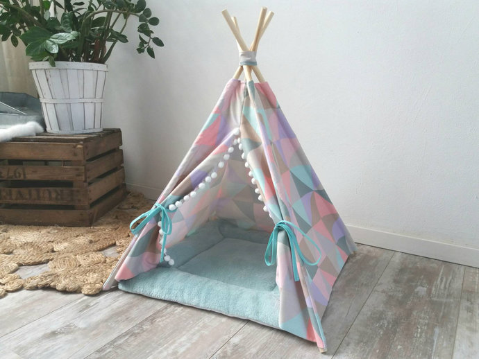 Coloful Pet teepee including pillow. Dog house. Cat bed. Tent. Tipi. tepee
