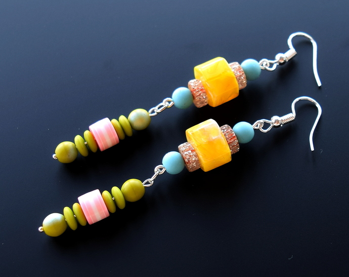 Color Contrast Mod Color Pop Vintage Lucite Bead Earrings