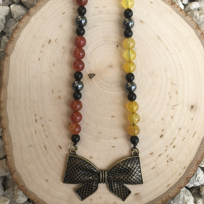 Bow necklace, beaded necklace, beaded jewelry