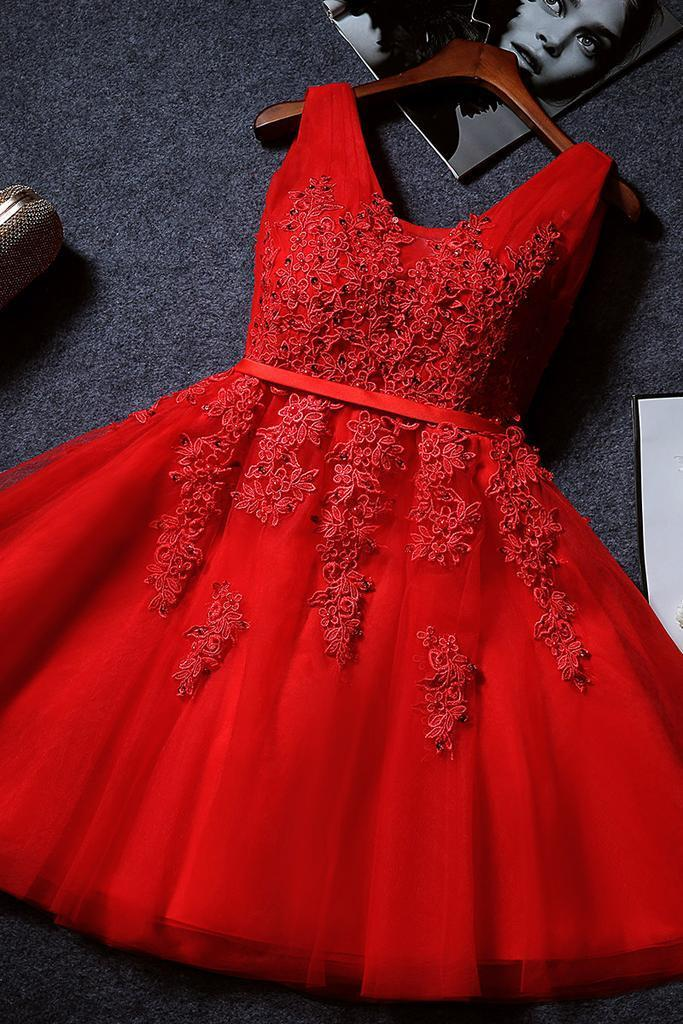 Red Lace Appliqued A-line Short Prom Dress Sexy V-neck Juniors Homecoming Dress