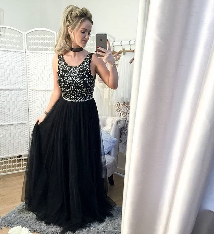 Scoop Neck Long Black Tulle Prom Dresses Crystals Women Party Dresses