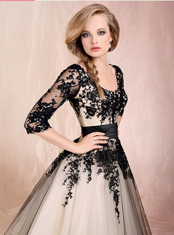 In Stock Elegant Tulle Scoop Neckline A-Line Tea-length Prom Dresses With Lace