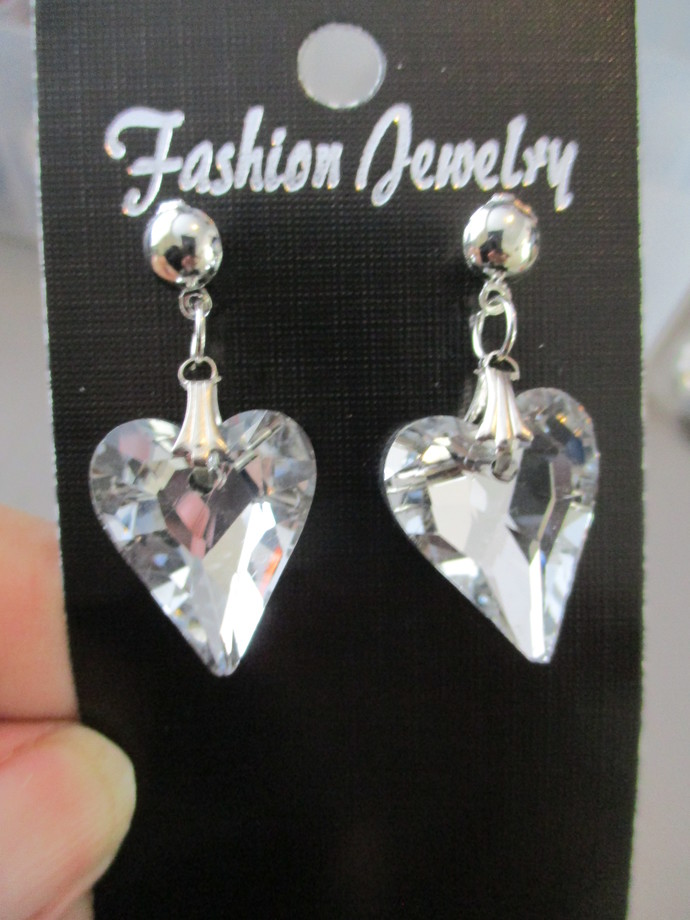 Heart-shaped Bling Earrings- NEW