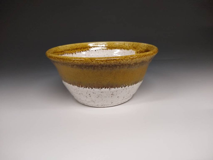 "6"" bowl white and brown"