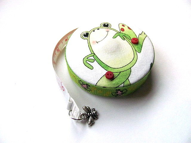 Tape Measure Bees and Frogs Retractable Measuring Tape