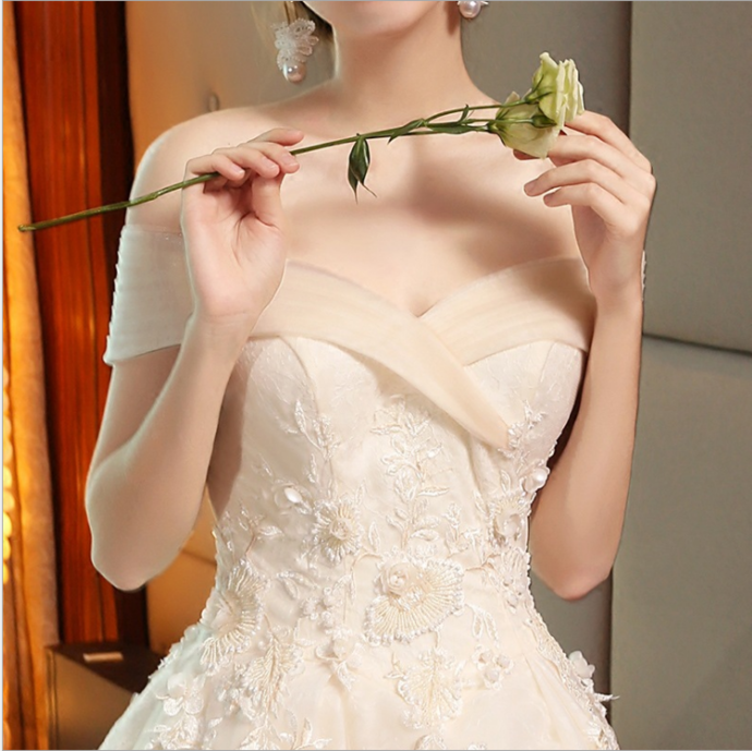 Wedding dress new bride word shoulder royal simple princess luxury long tail