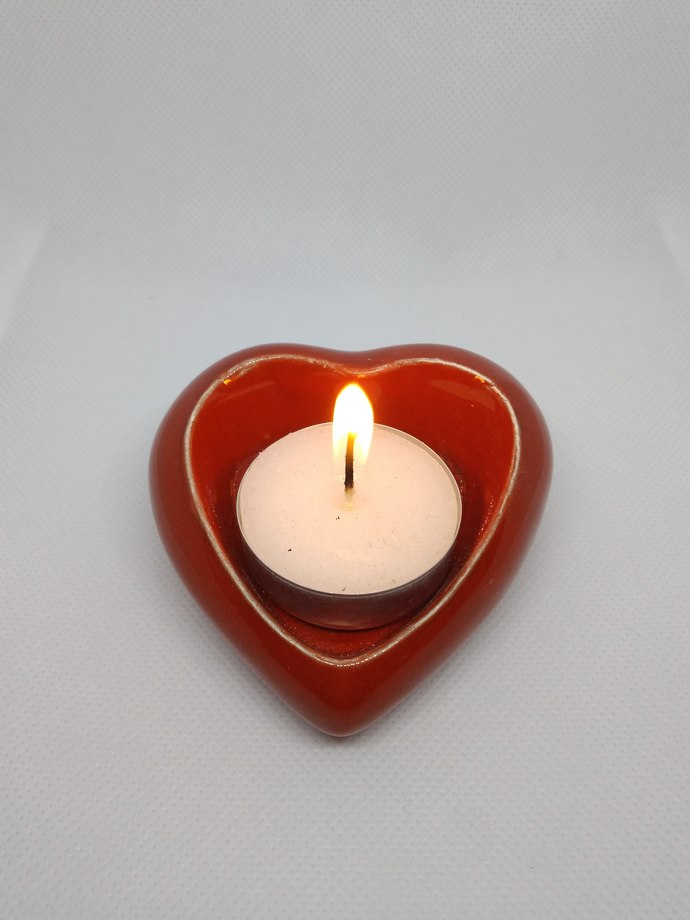 Heart - shaped candle holder