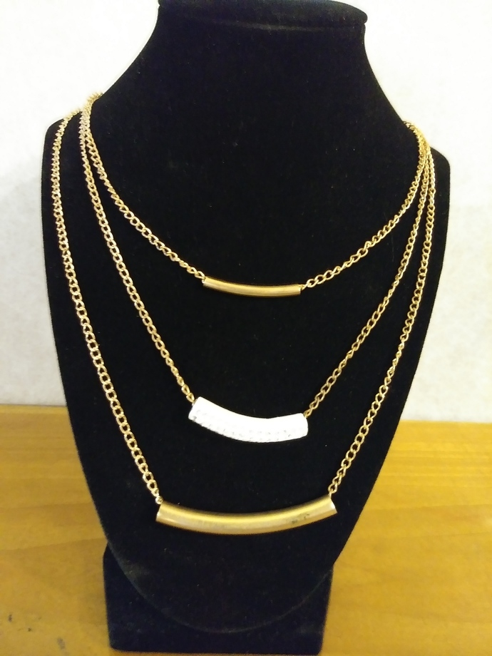 #090 Jeweled white tube necklace