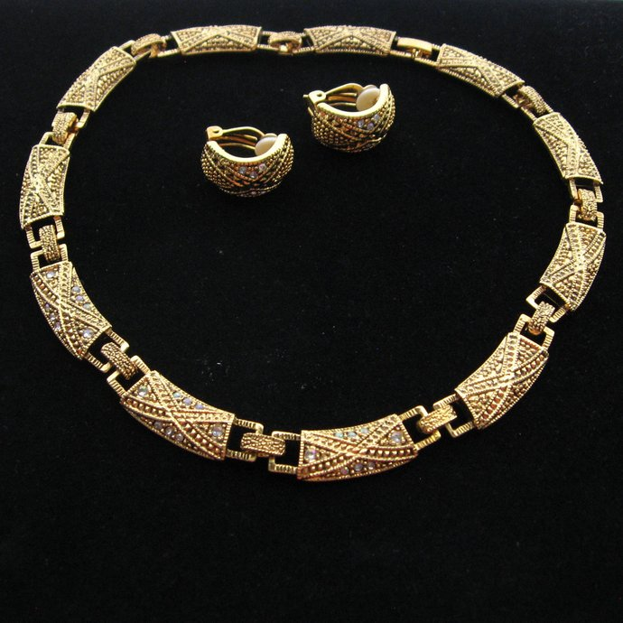 Vintage Etruscan Style Choker Earrings Jewelry Set, 17 Inches, Gold Tone