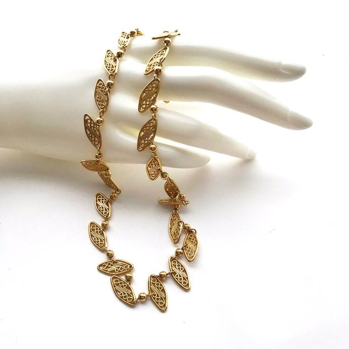 Vintage Signed TRIFARI Gold Plate Filigree Link Necklace, 16 Inches, High-end
