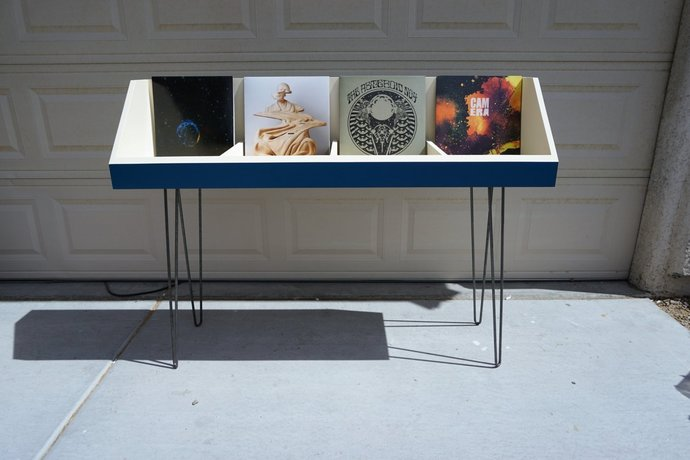 Fully customizable vinyl record stand, 4 compartment