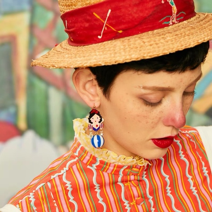 3D Beaded Snow White Earrings