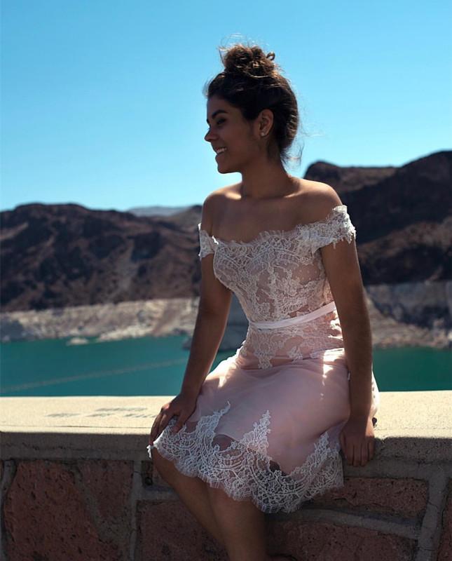 Elegant Homecoming Dress,Short Pink Bridesmaid Dress,Lace Appliques Prom Short