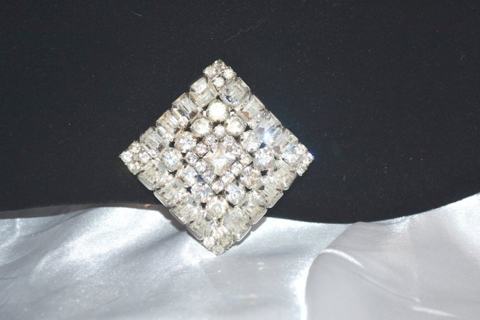 Vintage Clear Rhinestones 1940s Square Shaped Layered Brooch